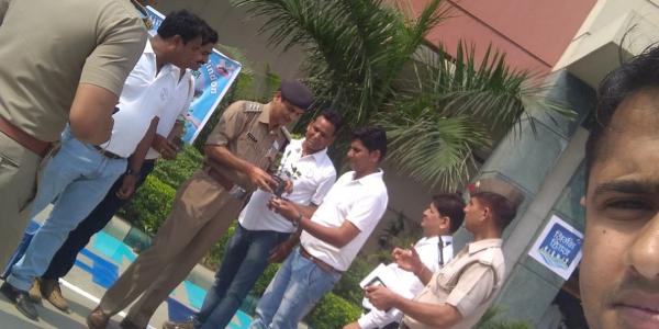 आर्य मित्र राष्ट्र सेवा संस्थान (AMRSS NURSERY ) द्वारा 100 तुलसी के पौधों का वितरण